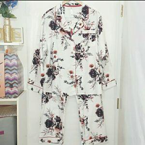 🆕️ Plus Size Floral Print Pajama et